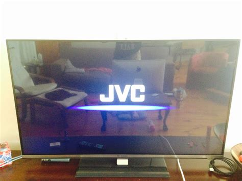 I have a JVC N935 smart tv and when i switch it on it does