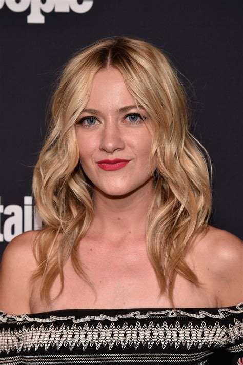 Meredith Hagner Photos Photos - Entertainment Weekly and