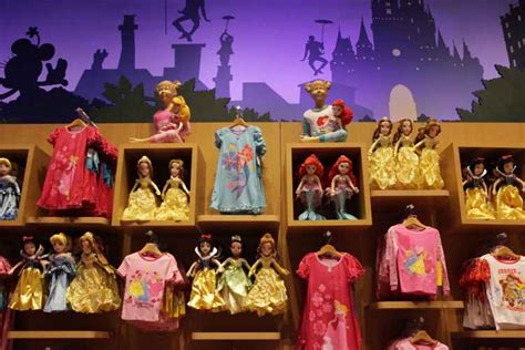 Disney Store Times Square | The Official Guide to New York